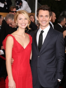 Claire Danes and Hugh Dancy on the SAG Awards red carpet