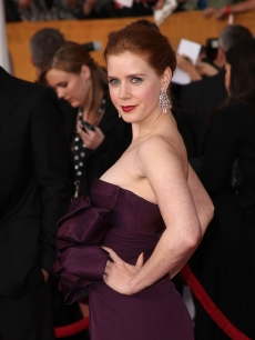 Amy Adams poses at the SAG Awards red carpet