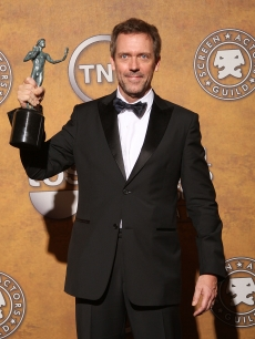 Hugh Laurie poses with his award for Outstanding Performance by a Male Actor in a Drama Series for &#8216;House&#8217; in the press room at the 15th Annual Screen Actors Guild Awards