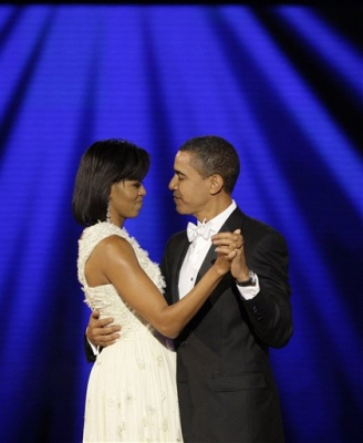 President Barack Obama dances with his wife, First Lady Michelle Obama to 'At Last' at their first Inauguration ball on Inauguration day