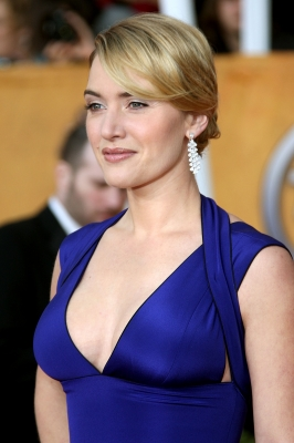 Kate Winslet is bold in blue on the SAG Awards red carpet