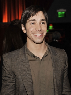Justin Long arrives at the afterparty for the premiere of Warner Bros. 'He's Just Not That Into You' at Social
