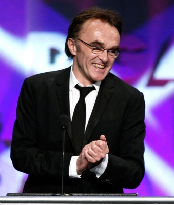 Danny Boyle accepts his award for Best Director at the 2009 DGA Awards