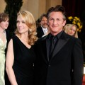 Robin Wright Penn and husband Sean Penn hit the 2009 Oscars red carpet