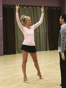 DANCING WITH THE STARS 8 - Nancy O&#8217;Dell - Tony Dovolani rehearsal ABC 5