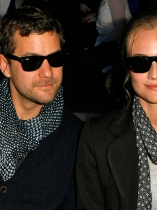 Joshua Jackson and Diane Kruger get a front row seat for Tommy Hilfiger&#8217;s Fall 2009 show at New York Fashion Week