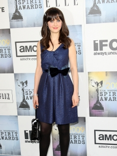 Zooey Deschanel belts with a bow at 24th Annual Film Independent's Spirit Awards in Santa Monica
