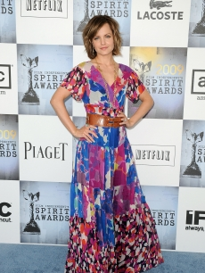 Mena Suvari gets colorful at the the 24th Annual Film Independent&#8217;s Spirit Awards in Santa Monica