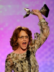 Melissa Leo shouts out her happiness at winning Best Actress at the 24th Annual Film Independent&#8217;s Spirit Awards