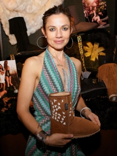 Justine Bateman and Jessica Alba both picked up Koolaburra's 'Crystal Flock' Genuine Australian Sheepskin Boots from their Fall '09 collection