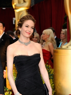 Diane Lane amps up her simple black dress with a diamonds on the 2009 Oscars red carpet