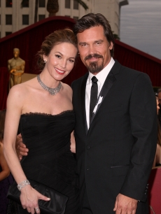 Diane Lane and Josh Brolin go black tie on the 2009 Oscars red carpet