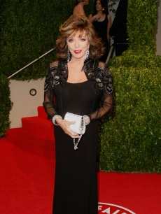 Joan Collins arrives at the 2009 Vanity Fair Oscar Party hosted by Graydon Carter held at the Sunset Tower on February 22, 2009 in West Hollywood