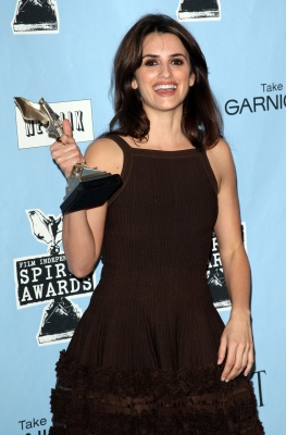Penelope Cruz takes home her trophy for Best Supporting Actress at the 24th Annual Film Independent's Spirit Awards