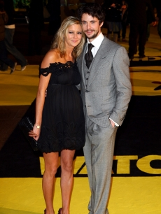 'Watchmen' star Matthew Goode brings a date to the film's UK premiere