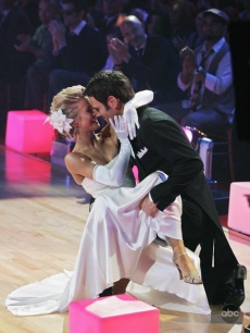 Chuck Wicks and Julianne Hough DWTS Week 1