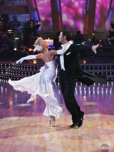 Chuck Wicks and Julianne Hough DWTS Week One