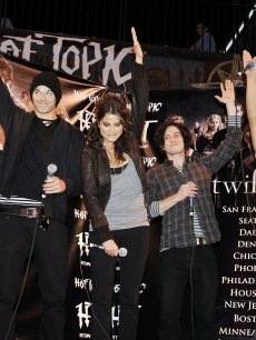 Actors Ashley Greene, Kellan Lutz, Nikki Reed, Jackson Rathbone and Taylor Lautner appear at the &#8216;Twilight&#8217; cast&#8217;s Q &amp; A and Paramore&#8217;s live performance and autograph signing at the Hollywood and Highland Hot To