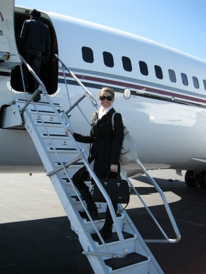 Maria gets ready to hit the friendly skies with the Jonas Brothers