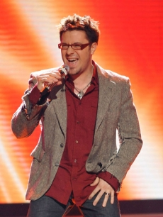 Danny Gokey performs live at 'American Idol' March 10, 2009 in Los Angeles, California