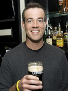 Carson Daly toasts St. Patrick&#8217;s Day at The Perfect Pint II on March 12, 2009 in New York City