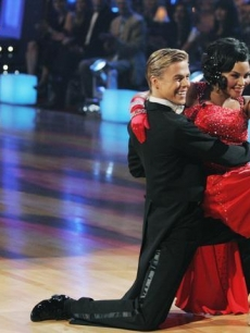 Derek Hough and Lil Kim DWTS Week2