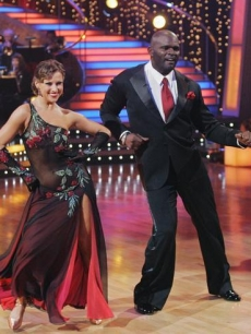 Edyta Sliwinska and Lawrence Taylor DWTS Week2