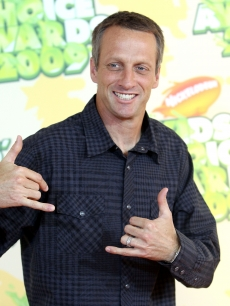 Tony Hawk smiles at the 2009 Nickelodeon Kids' Choice Awards at UCLA