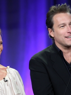 Toni Collette and John Corbett talk about 'The United States of Tara' to the press in Los Angeles, Jan. 14, 2009