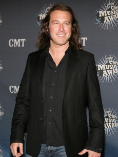 John Corbett arrives at the 2006 CMT Music Awards at the Curb Event Center at Belmont University April 10, 2006 in Nashville, Tennessee