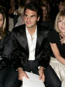 Anna Wintour sits with US Open champ Roger Federer and his girlfriend