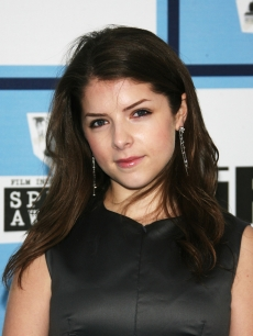 Anna Kendrick arrives at the 2008 Film Independent's Spirit Awards