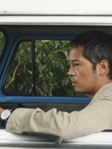 Miles (Ken Leung) drives a bus on Season 5 of &#8220;Lost&#8221;