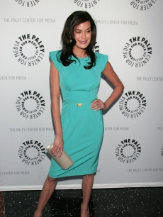 Teri Hatcher smiles as she arrives to the 'Desperate Housewives' PaleyFest09 event