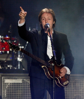 Paul McCartney leads the crowd in a singalong at the Coachella Valley Music & Arts Festival 2009