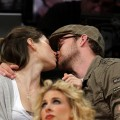 Jessica Biel and Justin Timberlake kiss at a Lakers game, putting break-up rumors to rest