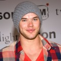 Kellan Lutz poses at the &#8216;Twilight&#8217; DVD Release party at Kitson in Beverly Hills (March 21, 2009)