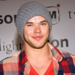 Kellan Lutz poses at the 'Twilight' DVD Release party at Kitson in Beverly Hills (March 21, 2009)