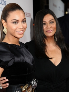 Beyonce and mother Tina Knowles arrive at the premiere of 'Cadillac Records' held at The Egyptian Theater on November 24, 2008 in Hollywood, California