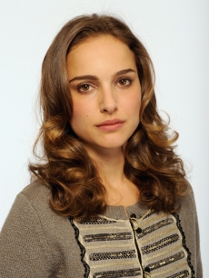 Natalie Portman attends the Tribeca Film Festival 2009 portrait studio at DIRECTV Tribeca Press Center on April 23, 2009 in New York City