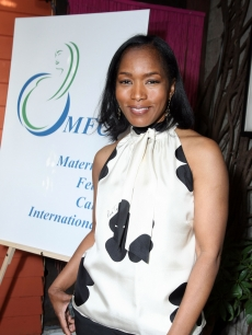 Angela Bassett arrives at the Benefit for Maternal Fetal Care International (MFCI) hosted by the Fergusons and the Mastersons at Cafe des Artistes on April 26, 2009 in Los Angeles California