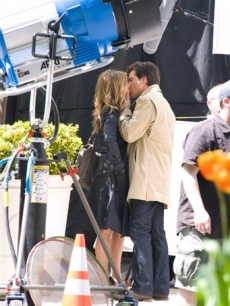 "Jennifer Aniston and Jason Bateman film a scene for ""The Baster"" on April 27, 2009 in New York"
