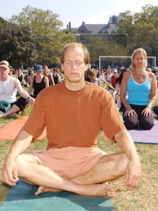 2003 Toronto International Film Festival - Woody Harrelson Public Yoga Session