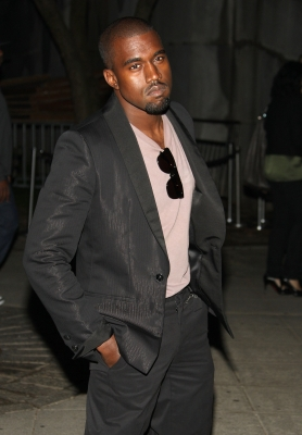 Kanye West plays it cool at Vanity Fair's 2009 Tribeca Film Festival party