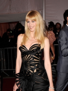 Claudia Schiffer attends &#8216;The Model as Muse: Embodying Fashion&#8217; Costume Institute Gala at The Metropolitan Museum of Art on May 4, 2009 in New York City