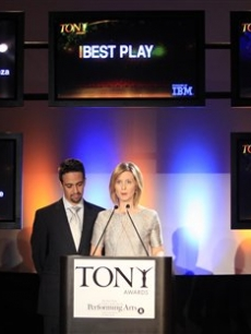 Lin-Manuel Miranda and Cynthia Nixon announce the nominations for Broadway's 2009 Antoinette Perry 'Tony' Awards