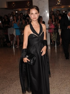 Natalie Portman attends the 2009 White House Correspondent's Dinner