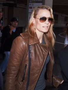 Robin Wright Penn arrives at Nice Airport to attend the Cannes Film Festival on May 12, 2009 in Cannes, France
