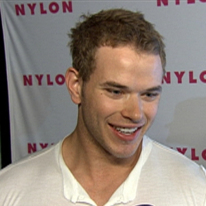 Kellan Lutz Gives &#8216;New Moon&#8217; Update (May 5, 2009)