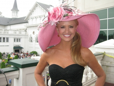 Nancy O'Dell dons a pink hat at the Kentucky Derby